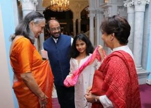 Malavika Sarukkai Vidya Balan go praises about Thari - the loom  Paramparik Karigar