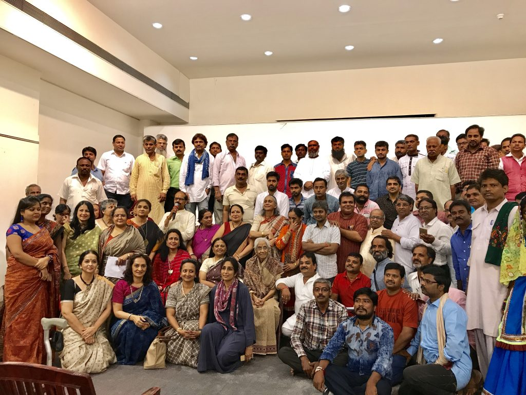 Arundhati Nanavati with Craftsmen & Associate Members